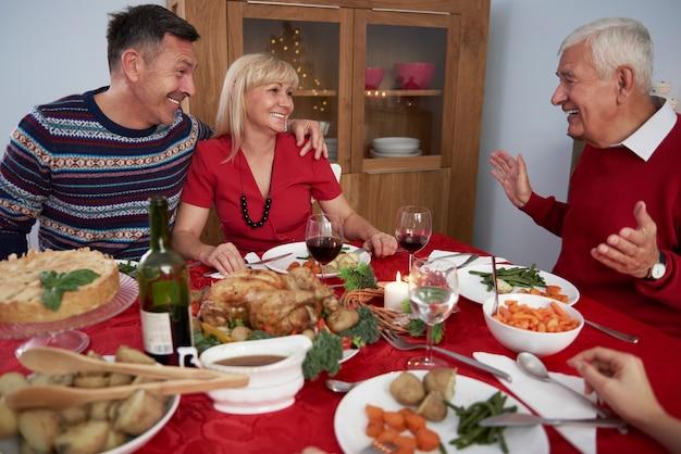 Temps En Famille à Noël Photo gratuit