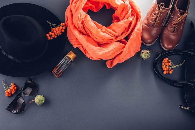 Tenue d'automne femme vêtements, chaussures et accessoires Photo Premium