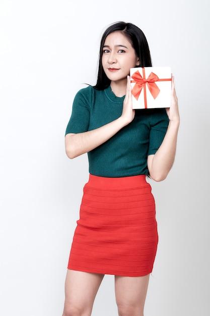 Tenue Femme, Boîte-cadeau, Et, Toothy, Sourire Photo Premium
