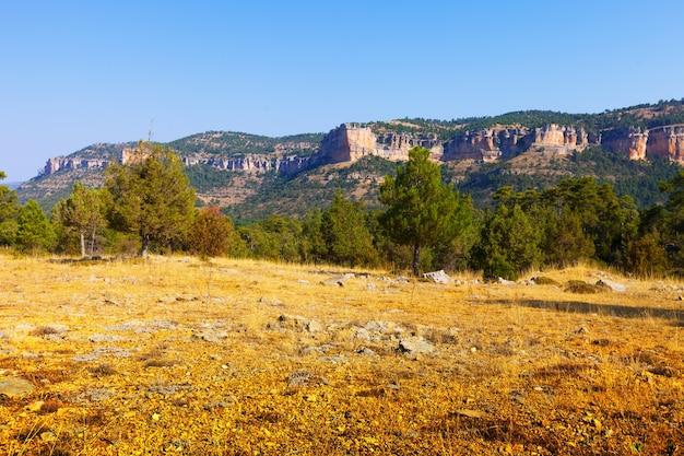 Terrain Montagneux De La Sierra De Cuenca Photo gratuit