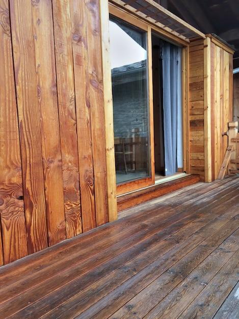 Terrasse en bois et revêtement Photo Premium