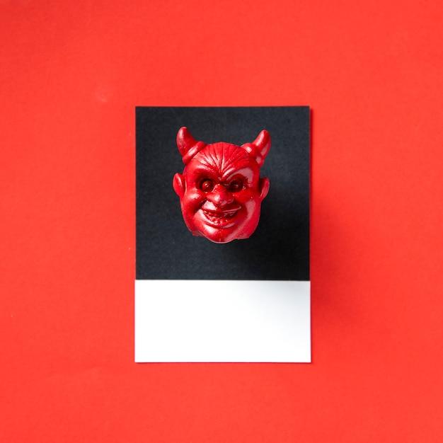 Tête maléfique à cornes rouges Photo Premium
