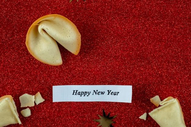 Texte Bonne Année! Résumé Fortune Cookie Bonheur Avec Inscription Bonne Année! Photo Premium