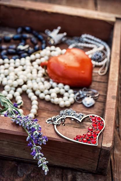 Texture de bijoux. bijoux vintage Photo Premium