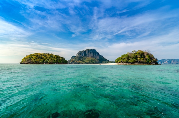 Thale waek, mer séparée krabi, thaïlande Photo Premium