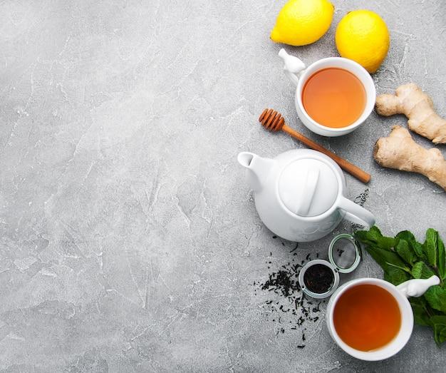 Thé au citron et à la menthe Photo Premium