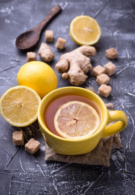 Thé chaud au citron et gingembre Photo Premium