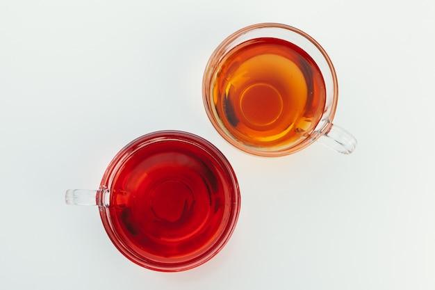 Thé Dans Une Tasse En Verre Avec Des épices Et Des Herbes. Vue De Dessus. Photo Premium