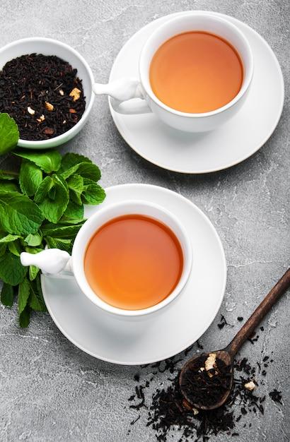 Thé noir à la menthe Photo Premium