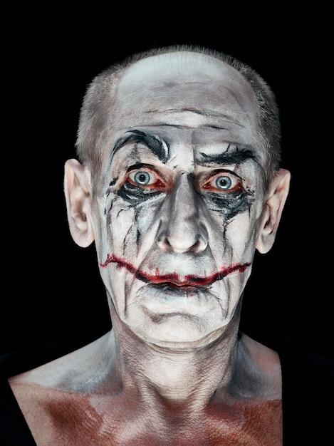 Thème Halloween Sanglant: Visage De Maniak Fou Photo gratuit
