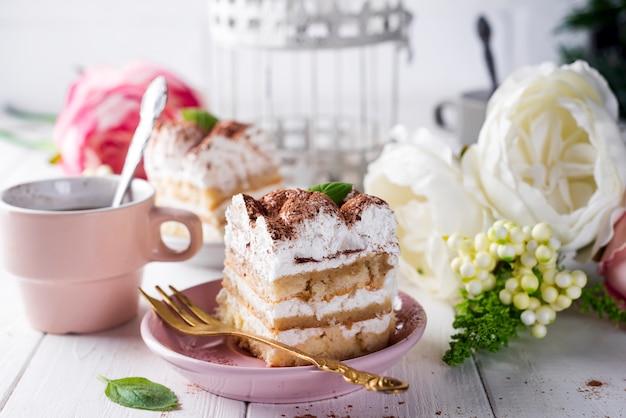 Tiramisu, dessert italien traditionnel Photo Premium