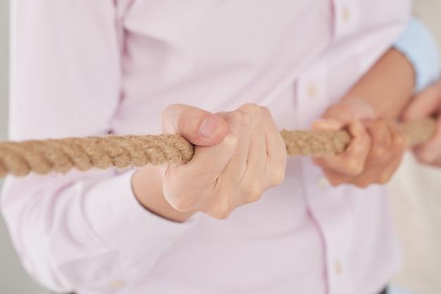Tirant la corde Photo gratuit