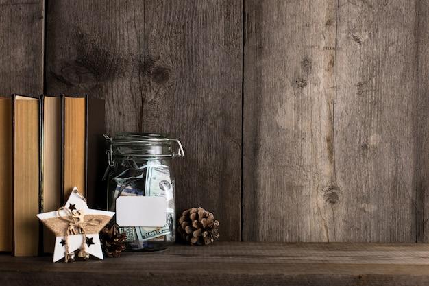Tirelire Pleine D'argent Récolté Pour Les Vacances Et Noël. Photo Premium