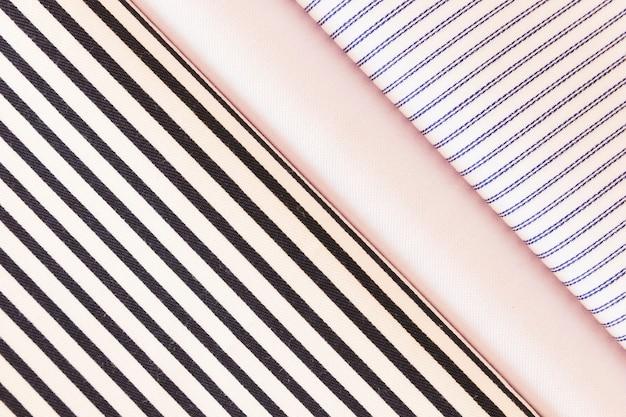 Tissu plié avec plaine; diagonale; motif de trait Photo gratuit