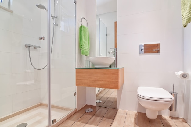 Toilette De Luxe Confortable. Avec Un Grand Design. Photo Premium