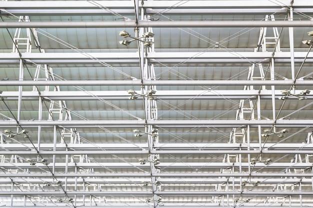 Toiture en acier au plafond Photo Premium