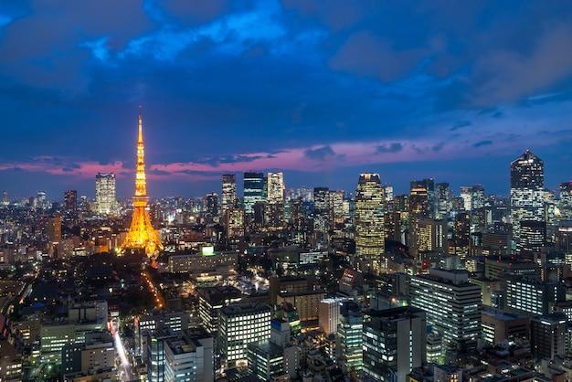Toky, à, nuit, vue, tour tokyo, toits ville, tokyo, japon Photo Premium