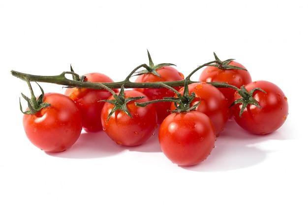 Tomate Rouge Sur Blanc Photo gratuit