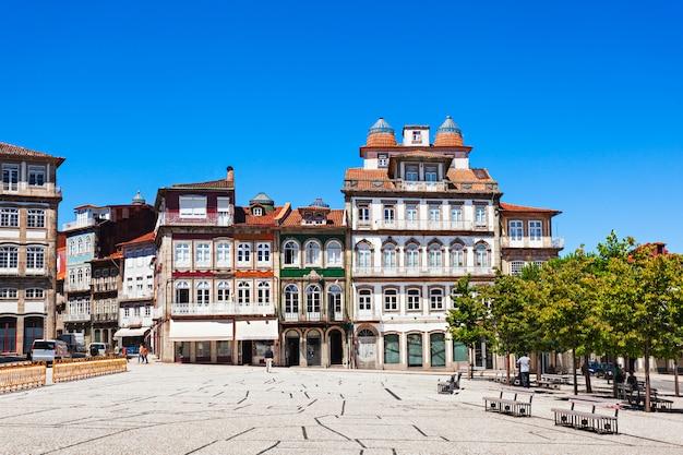 Toural square, guimaraes Photo Premium