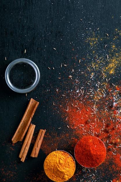 Toutes les épices indiennes Photo Premium