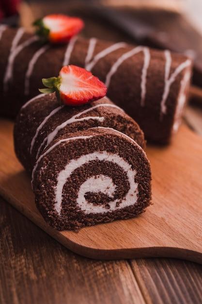 Tranches de dessert au chocolat savoureux Photo gratuit