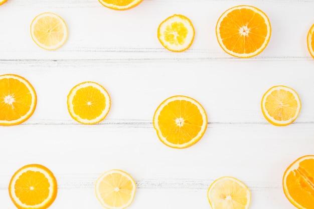 Tranches d'orange fraîche Photo gratuit