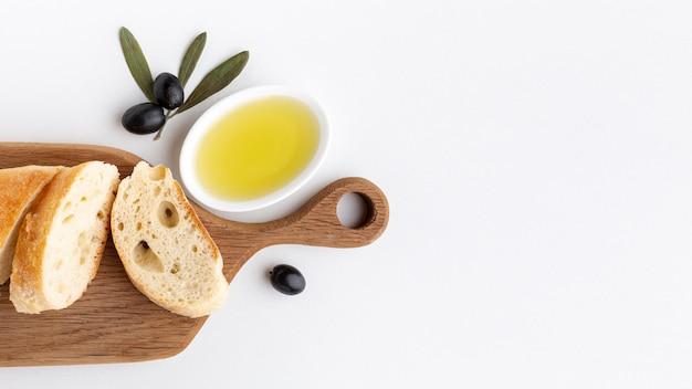 Tranches de pain à l'huile d'olive et espace de copie Photo gratuit