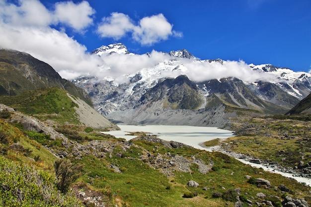 Trekking dans la vallée de hooker, nouvelle zélande Photo Premium