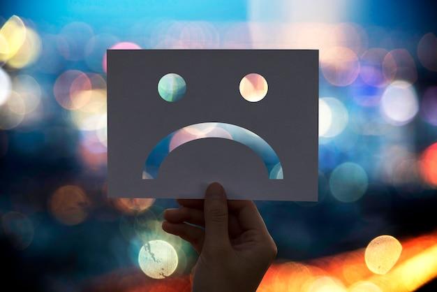 Triste papier déprimé Photo gratuit