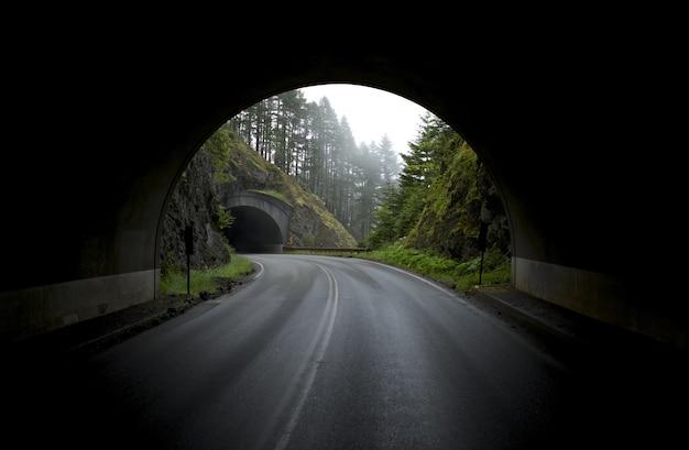 Tunnels de montagne Photo gratuit