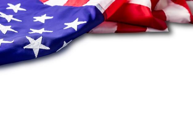 Usa ou drapeau américain isolé sur fond blanc avec un tracé de détourage Photo Premium