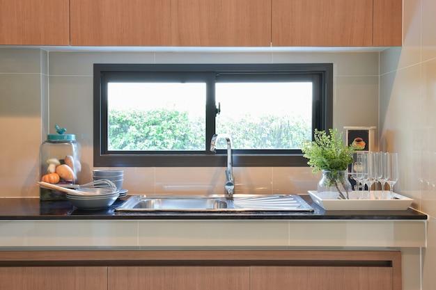 Ustensiles de cuisine en céramique modernes Photo Premium