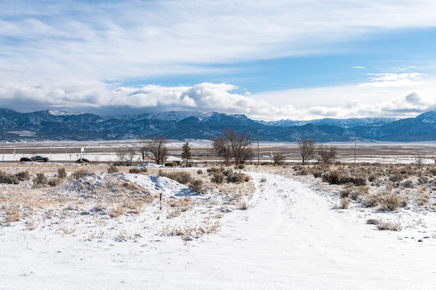 Utah D'hiver Avec De La Neige Et Un Temps Froid Et Propre Photo Premium