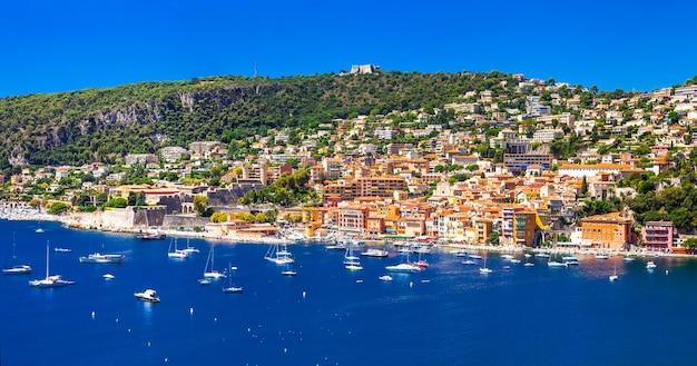 Vacances D'été Dans Le Sud De La France. Nice, Célèbre Côte D'azur Photo Premium