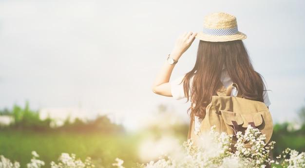 Vacances d'été et lifestyle travel outdoor concept. Photo gratuit