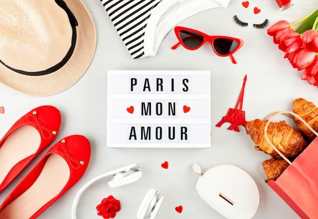 Vacances d'été ou week-end à paris concept Photo Premium