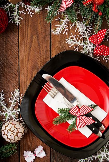 Vaisselle Traditionnelle Sur Table De Noël. Mise à Plat. Vue De Dessus Photo gratuit