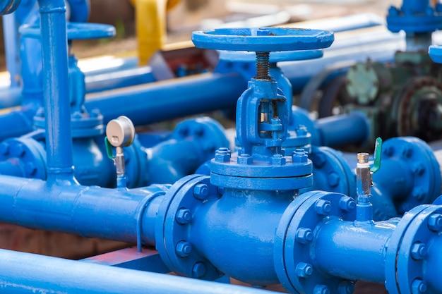 Vannes à l'usine de gaz Photo Premium