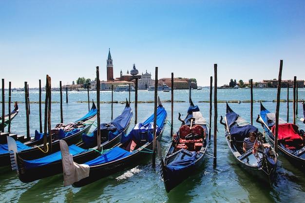 Venise Avec Gondoles Photo Premium