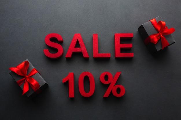 Vente Avec Dix Pour Cent De Réduction Et Cadeaux Photo gratuit
