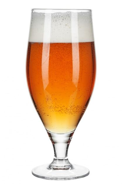 Verre de bière sur fond blanc Photo Premium