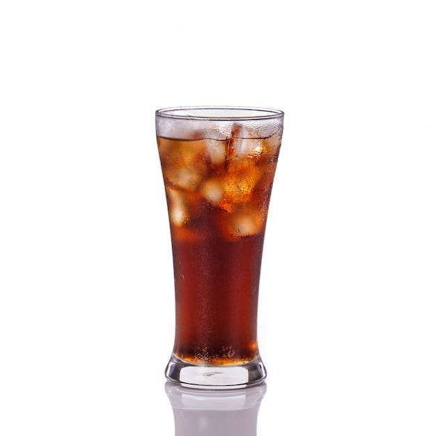 Verre de boisson gazeuse. Photo Premium