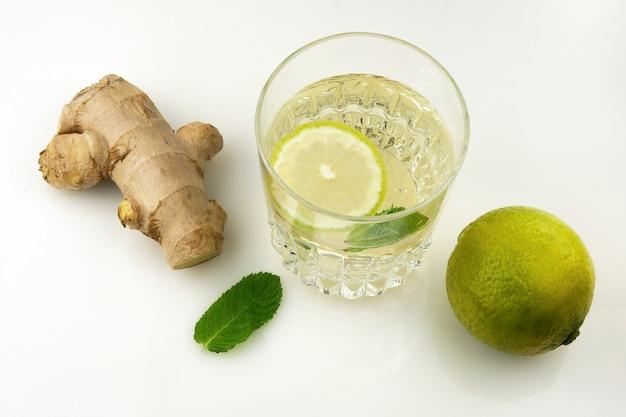 Verre de boisson avec jus d'agrumes, Photo Premium