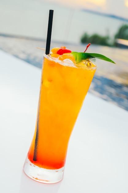 Verre à cocktails Photo gratuit