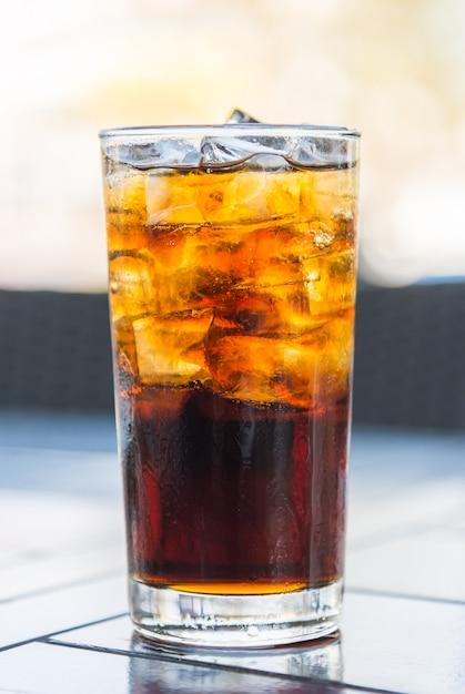 Verre de cola Photo gratuit