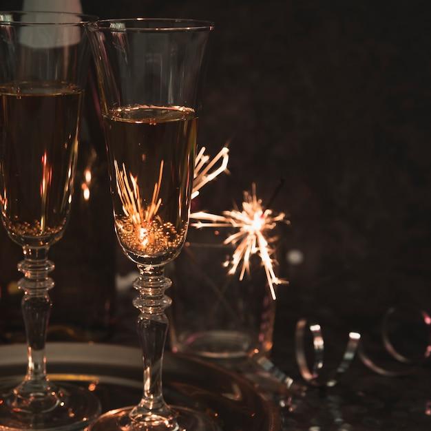 Verres De Champagne Gros Plan Photo gratuit