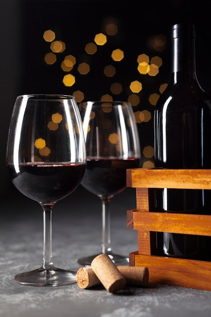 Verres à vin close-up avec fond bokeh Photo gratuit