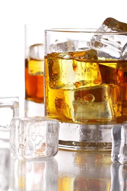 Verres à Whisky Froid Photo gratuit