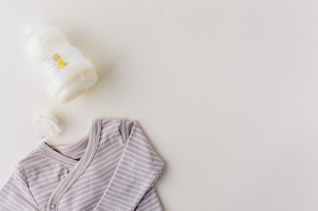 Vêtements de bébé Photo gratuit