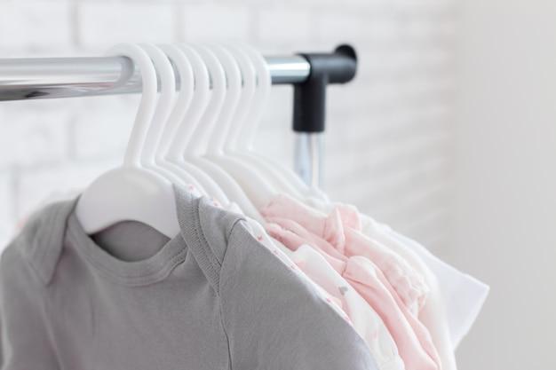 Vêtements enfants Photo Premium